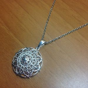 🔥NWT!🔥Genuine Sterling Silver Openwork Necklace